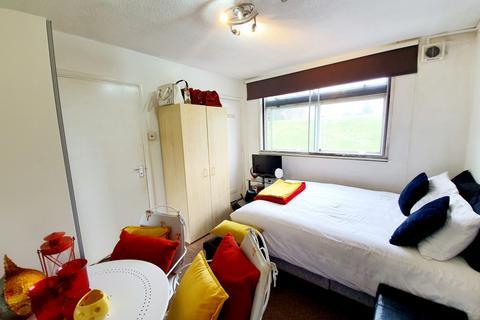Studio to rent - Faraday House, Hornsey Lanes, Highgate, N6