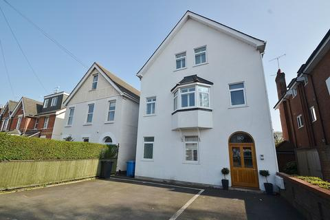 3 bedroom flat to rent - Poole