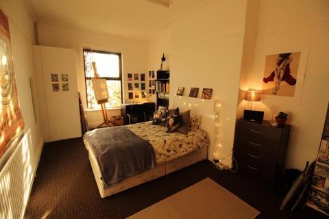 5 bedroom house to rent - 23 Kelso, Leeds, LS2 9PR