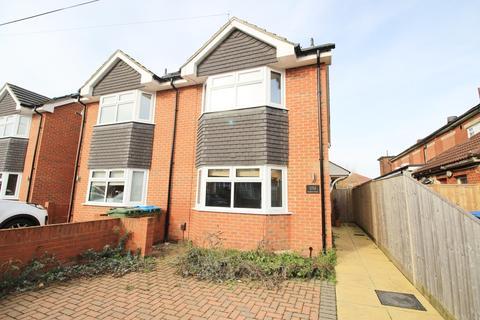 4 bedroom semi-detached house to rent - Leighton Road, Southampton