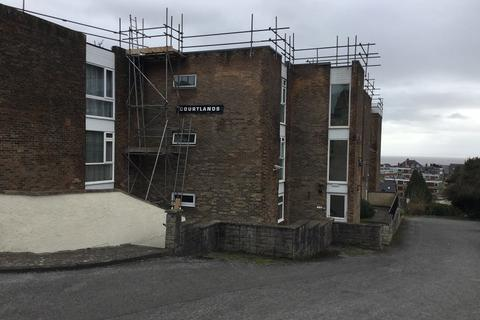 1 bedroom flat to rent - Courtlands, Park Road, Barry, The Vale Of Glamorgan. CF62 6NT