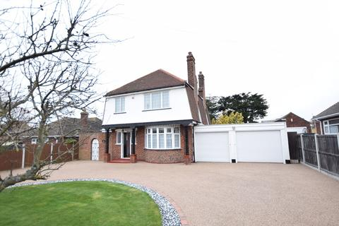 3 bedroom detached house for sale - Thorpe Road, Clacton-on-Sea