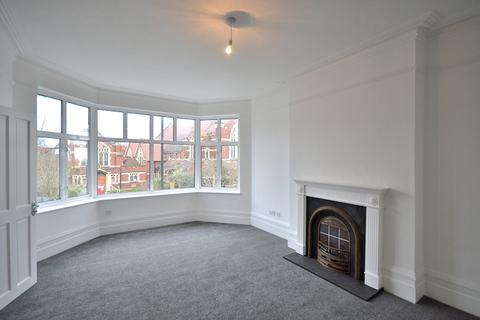 Studio for sale - Fox Lane, Palmers Green N13