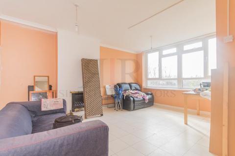 3 bedroom maisonette to rent - Manchester Road, London, E14