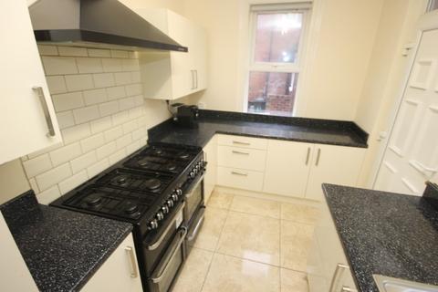6 bedroom terraced house to rent - Winston Gardens, Headingley, Leeds, LS6