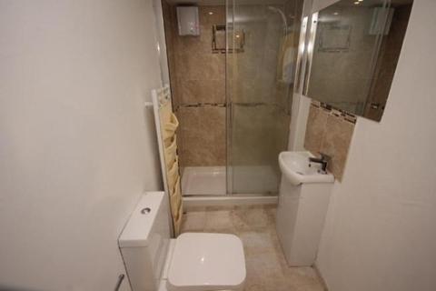 6 bedroom terraced house to rent - Langdale Terrace, , Leeds, LS6