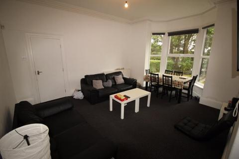 6 bedroom house to rent - 105 Victoria Road, Leeds, LS6 1DR