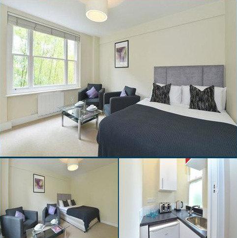 Studio to rent - Hill Street, W1J 5NA