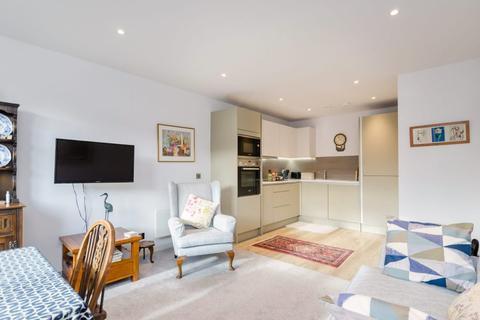 1 bedroom apartment to rent - Leetham House