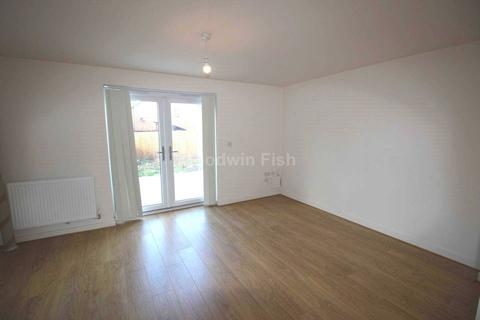 3 bedroom semi-detached house to rent - Ashover Avenue, Manchester