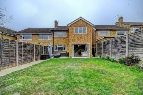 3 bedroom semi-detached house for sale - Middleway, Chinnor