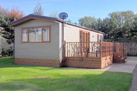 2 bedroom lodge for sale - Tydd St Giles, Kirkgate, Wisbech  PE13