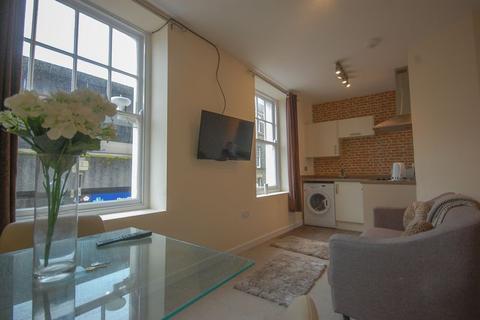 2 bedroom apartment to rent - Wind Street, Neath