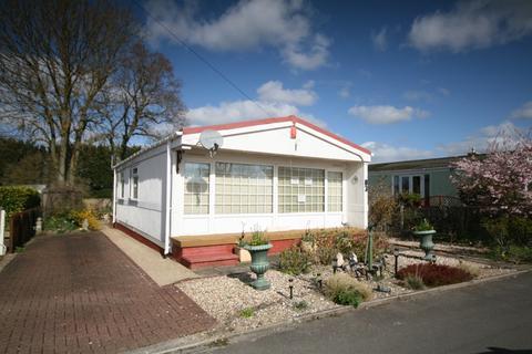 2 bedroom park home for sale - Alpha Avenue Garsington Oxford