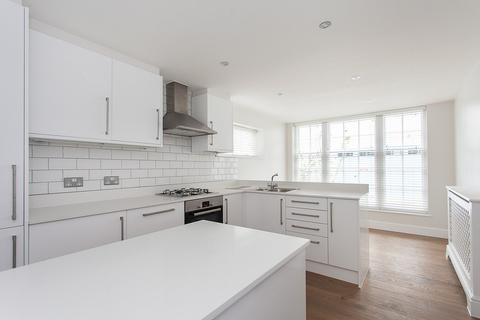 2 bedroom mews to rent - Montagu Mews North, London, W1H