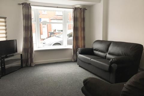 3 bedroom house share to rent - Dartmouth Street, Burslem, Stoke On Trent, ST6 1HB