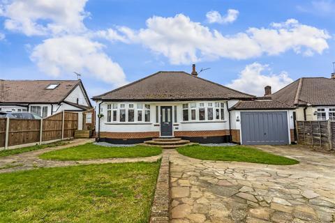 3 bedroom detached house for sale - Waterer Gardens, Burgh Heath, Tadworth