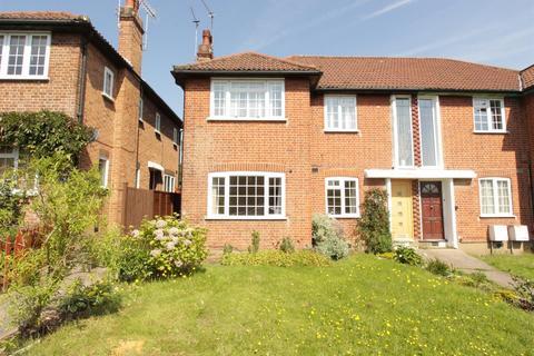 2 bedroom maisonette to rent - Dorchester Court, Southgate, N14
