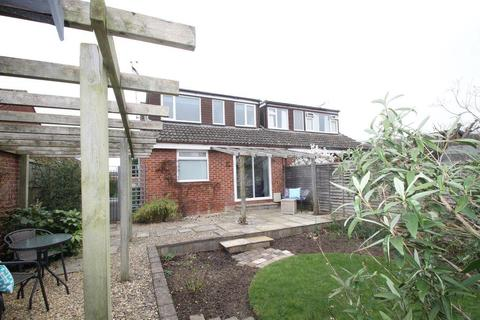 3 bedroom bungalow for sale - Canterbury Leys, Tewkesbury