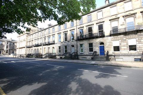 4 bedroom flat to rent - Chester Street