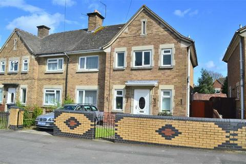 3 bedroom semi-detached house for sale - Naunton Road, Gloucester