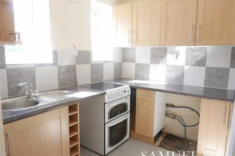 3 bedroom flat to rent - Churchfield Avenue, Tipton