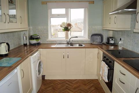 2 bedroom flat for sale - Rowan Close, Caegarw