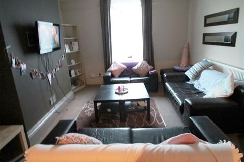 5 bedroom terraced house to rent - Providence Ave, Leeds