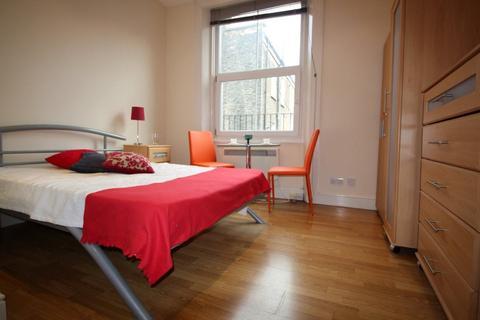 Studio to rent - Cheniston Gardens, High Street Kensington, W8