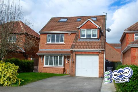 6 bedroom detached house for sale - Woodlea Drive, Meanwood
