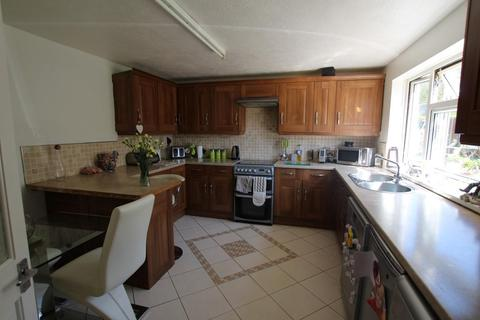 3 bedroom terraced house to rent - Kenilworth Close, Brighton
