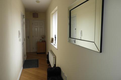 2 bedroom flat for sale - 21 Piernik Close, Redhouse, Swindon