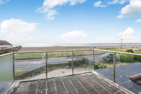 4 bedroom detached bungalow for sale - Shoreham Beach