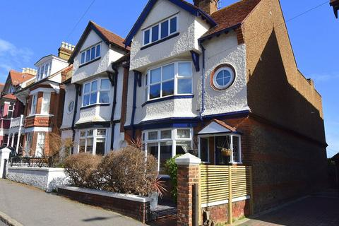 5 bedroom semi-detached house for sale - Queens Road, Broadstairs, CT10