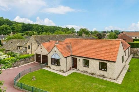 3 bedroom detached bungalow to rent - White Stone, 3 Manor Park, Ledston WF10 2BE