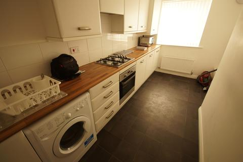 4 bedroom semi-detached house to rent - New Stoke Village, Coventry, CV3 1QS