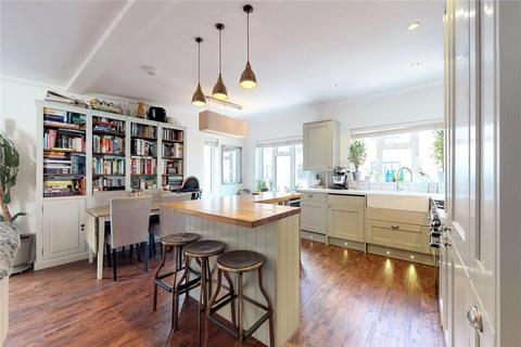 2 bedroom terraced house for sale - Nottingham Court, London, WC2H