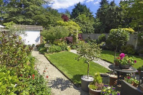 3 bedroom semi-detached house for sale - Silverhurst Drive, Tonbridge, Kent