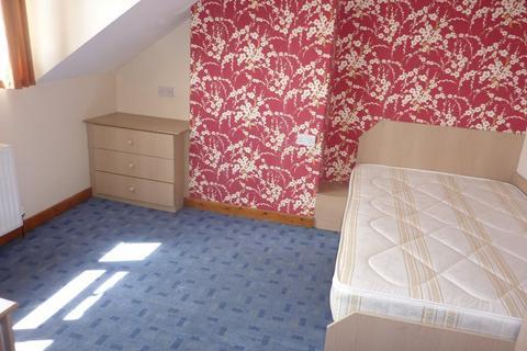 4 bedroom terraced house to rent - Harold Mount, , Hyde Park, LS6
