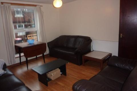 6 bedroom terraced house to rent - Ashville Grove, , Hyde Park, LS6