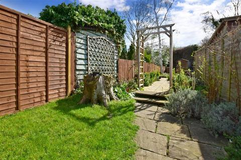 2 bedroom semi-detached house for sale - The Freehold, East Peckham, Tonbridge, Kent