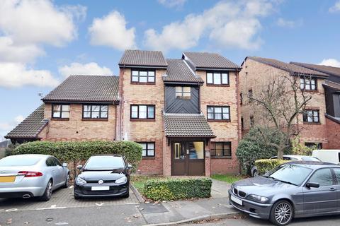 2 bedroom ground floor flat for sale - Kenwyn Road, Dartford