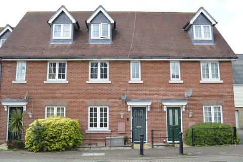 3 bedroom townhouse for sale - Cambie Crescent, Colchester, CO4 5DW