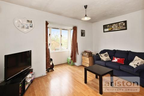 1 bedroom flat to rent - Colet Close, Palmers Green  N13