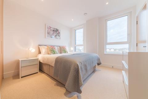 3 bedroom apartment to rent - 2 Aurora Point, Plough Way, Surrey Quays, London, SE16