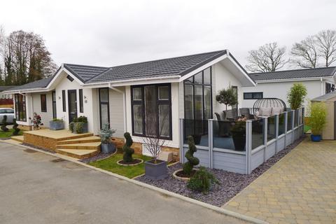 2 bedroom park home for sale - BLACKHOUSE LANE, NORTH BOARHUNT, FAREHAM