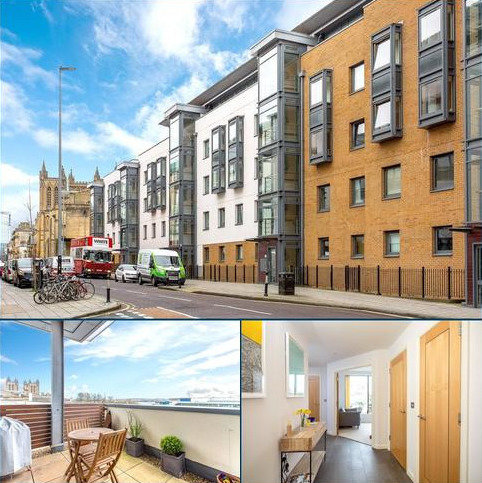 2 bedroom penthouse for sale - Deanery Road, Bristol, BS1