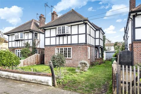 3 bedroom detached house for sale - The Gardens, Watford, Hertfordshire, WD17