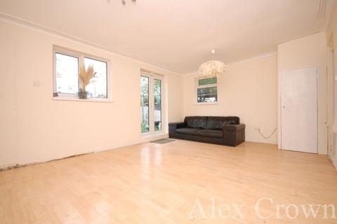 4 bedroom terraced house to rent - Selby Road, Tottenham
