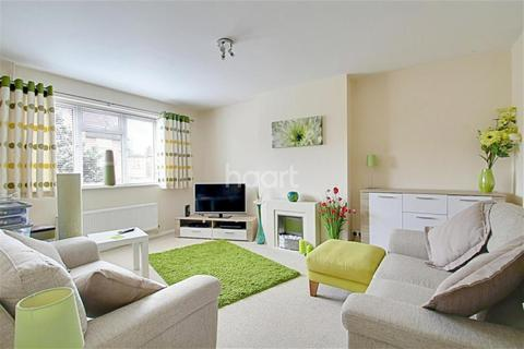 2 bedroom bungalow to rent - South Lake Crescent, Woodley, RG5 3QN